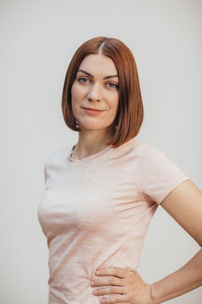 Александра Сухопарова - Сертифицированный тренер Polestar Pilates
